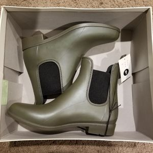 Rain boots from target